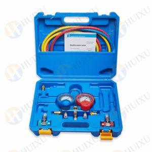 Refrigerant gauge manifold set